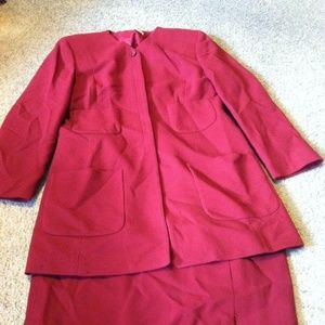 Women's 8 Worth brand suit set outfit dark red